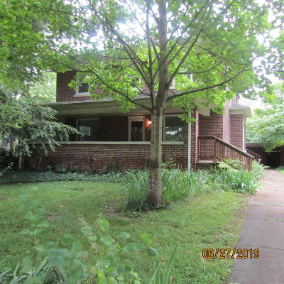 West Frankfort Single Family Home For Sale: 108 N Benton Road