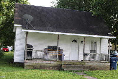 Marion IL Single Family Home For Sale: $29,900