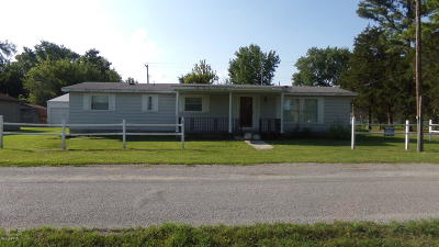 Saline County Single Family Home Active Contingent: 2150 Grand Avenue