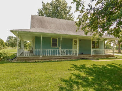 Single Family Home Active Contingent: 7375 Brown Road