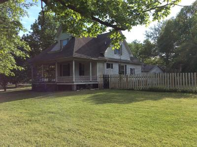 Hamilton County Single Family Home For Sale: 212 S Third Street