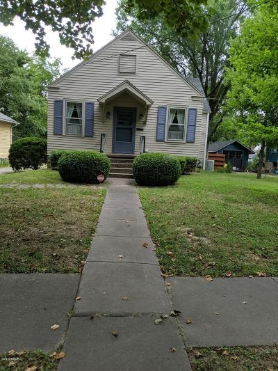 Carbondale Single Family Home For Sale: 806 W Cherry Street