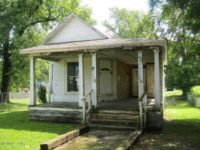 Mt. Vernon Single Family Home For Sale: 316 N 5th Street