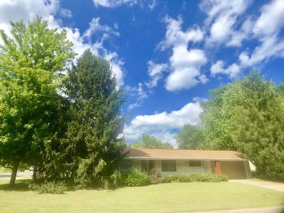 West Frankfort Single Family Home For Sale: 701 E Cleveland