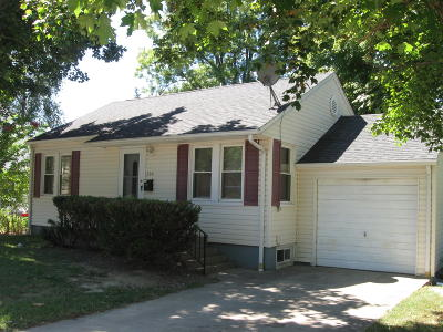 Carbondale Single Family Home For Sale: 204 N Oakland Avenue