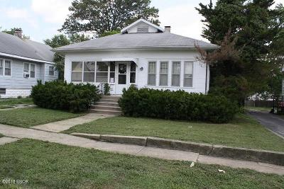 Mt. Vernon Single Family Home For Sale: 620 S 20th Street