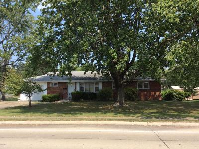 Mt. Vernon Single Family Home For Sale: 604 S 34th Street