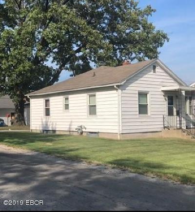 Mt. Vernon Single Family Home For Sale: 2424 Casey Avenue