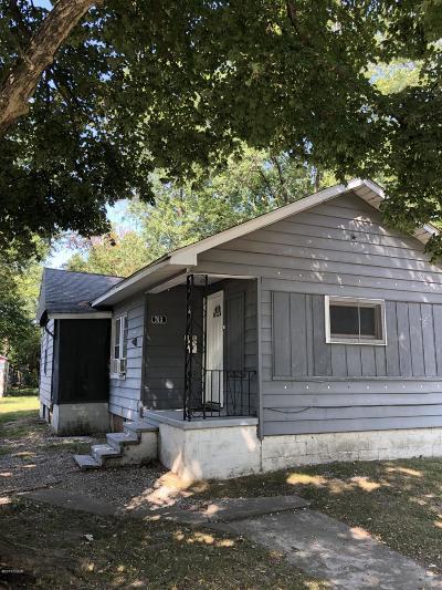 Benton Single Family Home For Sale: 703 Fairland Street