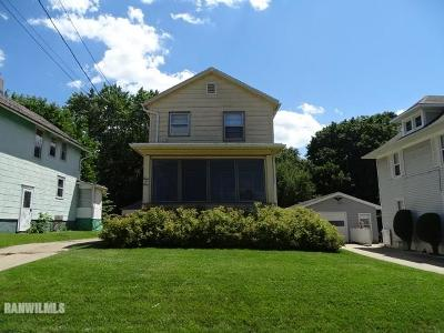 Freeport IL Single Family Home For Sale: $42,900