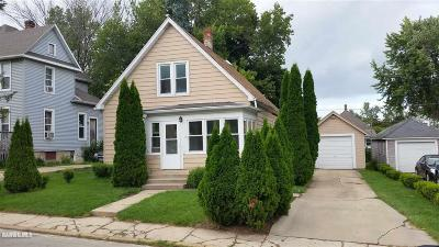 Freeport IL Single Family Home For Sale: $29,900