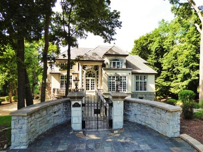 Oak Brook Single Family Home For Sale: 912 St Stephens Green
