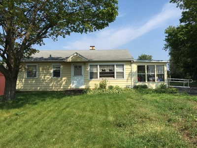 St. Charles Single Family Home Contingent: 1240 Ronzheimer Avenue