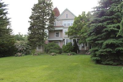 Elburn Single Family Home Contingent: 526 North Main Street
