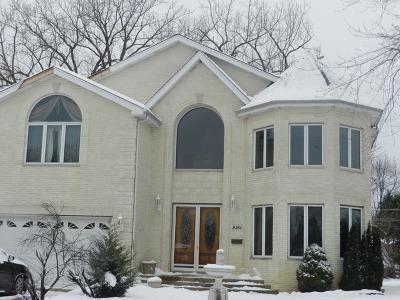 Skokie Single Family Home For Sale: 9261 Keeler Avenue