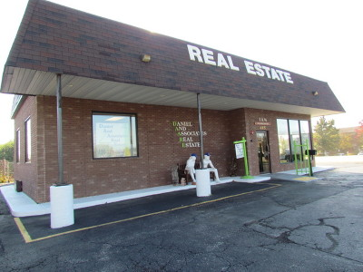 West Chicago IL Commercial For Sale: $594,500