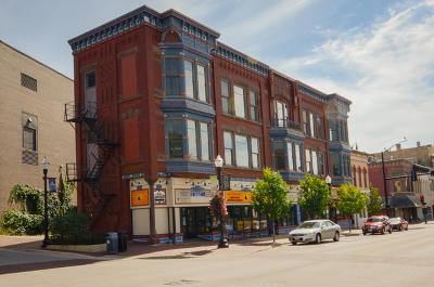 Elgin Commercial Contingent: 53 Douglas Avenue
