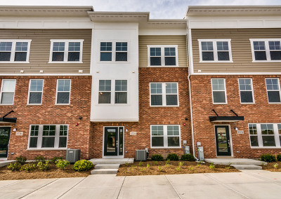 Woodridge Condo/Townhouse For Sale: 3554 Irving Place
