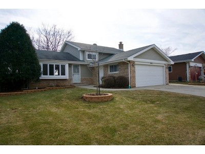 Hanover Park IL Single Family Home closed: $236,000