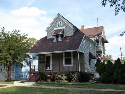 Brookfield Multi Family Home For Sale: 3621 Vernon Avenue