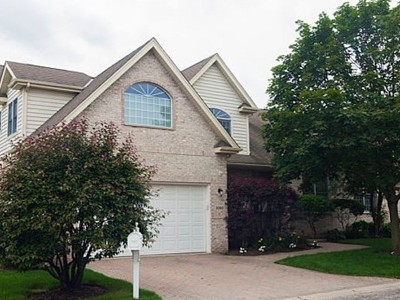 Westchester Condo/Townhouse For Sale: 3060 Rosebrook Circle #3060