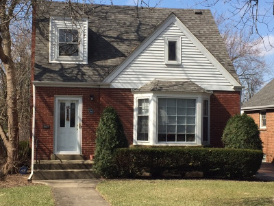 Elmhurst Single Family Home For Sale: 188 North Clinton Avenue