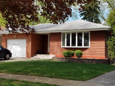 Westchester IL Single Family Home Re-activated: $235,000