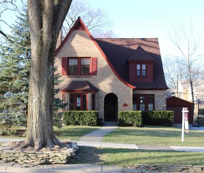 Hinsdale Single Family Home Contingent: 327 Hampton Place