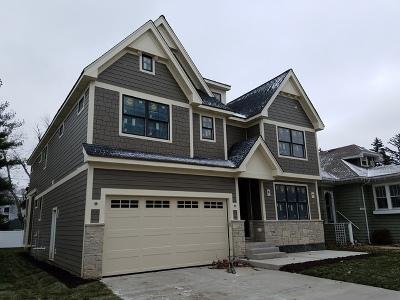 Elmhurst Single Family Home For Sale: 608 Parkside Street