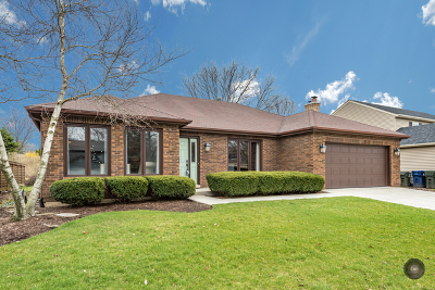 Naperville IL Single Family Home Sold: $352,000