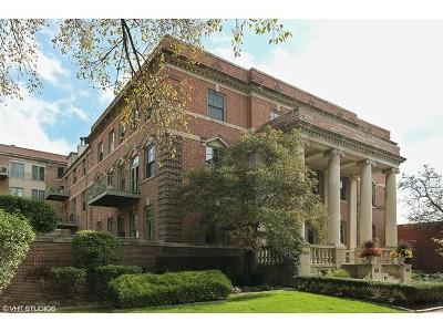 Oak Park Condo/Townhouse For Sale: 156 North Oak Park Avenue #1H