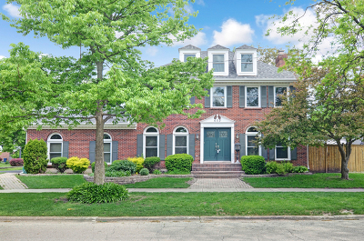 Hinsdale Single Family Home Contingent: 603 Ravine Road