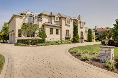 Oak Brook Single Family Home Contingent: 43 Royal Vale Drive