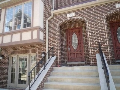 Brookfield Condo/Townhouse Re-activated: 9523 Shields Avenue