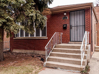 Single Family Home For Sale: 9127 South University Avenue