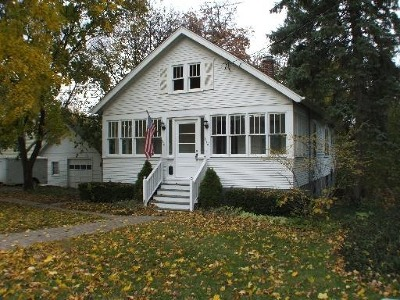 St. Charles Single Family Home Contingent: 814 West State Street