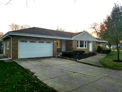 Downers Grove Single Family Home For Sale: 2055 Prairie Avenue