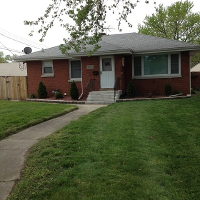 Lansing IL Single Family Home For Sale: $115,500
