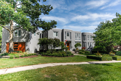 Clarendon Hills Single Family Home For Sale: 48 Golf Avenue