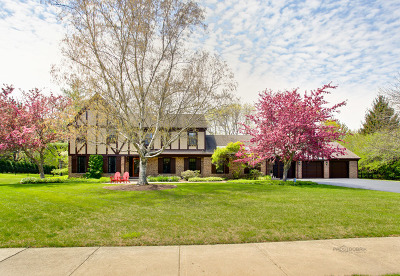 Lake Forest Single Family Home Contingent: 1800 Surrey Lane