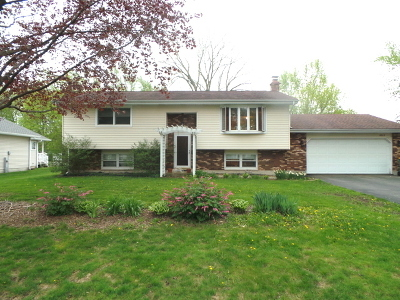 McHenry IL Single Family Home Contingent: $140,000