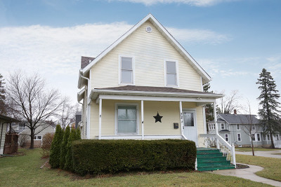 West Dundee Single Family Home For Sale: 72 Browning Avenue