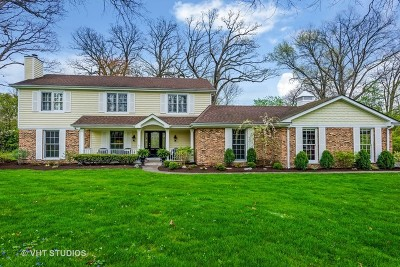 Lake Forest Single Family Home For Sale: 1401 Woodhill Lane