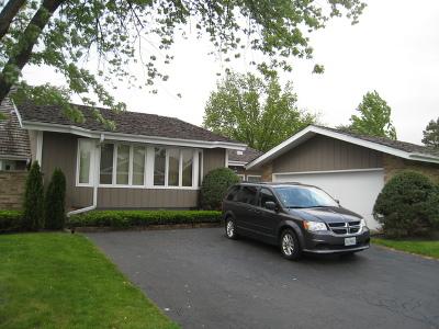 Oak Brook Condo/Townhouse Contingent: 48 Briarwood Lane South