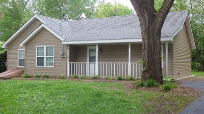Island Lake Single Family Home For Sale: 205 Hickory Terrace