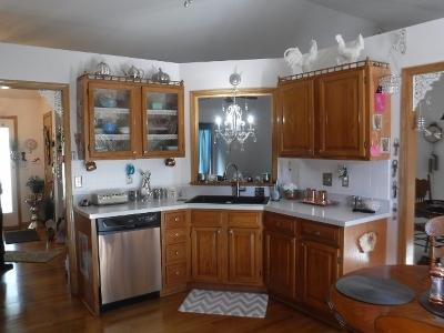Hampshire Single Family Home Price Change: 305 Jake Lane