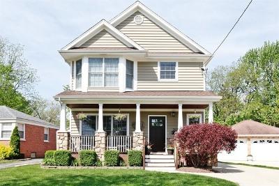 Glen Ellyn Single Family Home For Sale: 262 Newton Avenue
