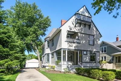 La Grange Single Family Home Contingent: 126 North Stone Avenue