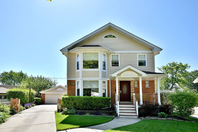Niles Single Family Home For Sale: 6955 West Wright Terrace