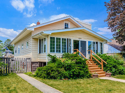 Brookfield Single Family Home For Sale: 3114 Cleveland Avenue